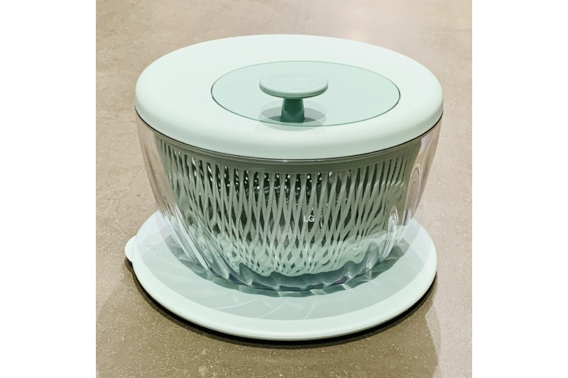 Guzzini 26cm Salad Spinner with Lid