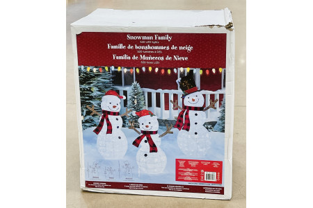 Snowman Family Set of 3 with 520 LED Lights 59 Inches Indoor Or Outdoor Christmas Decoration