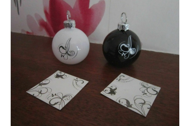 6 Bauble Place Card Holders Black & White With Matching Place Cards