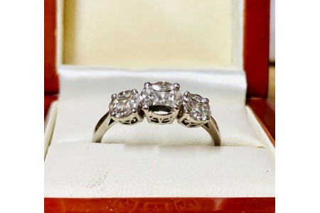 Diamond Cluster Ring 1ct set in Platinum (MISSING 1 STONE) WITH APPRAISAL £4695