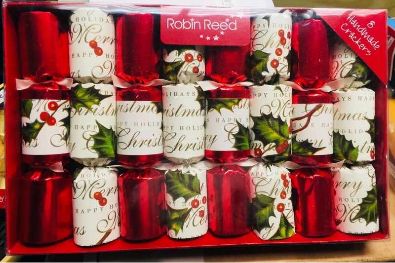 robin reed bows and berries traditional english christmas crackers 10 pack
